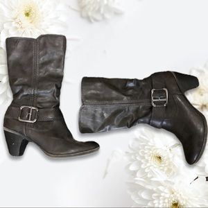 2/40$$ Black Taxi Side Zip Boots